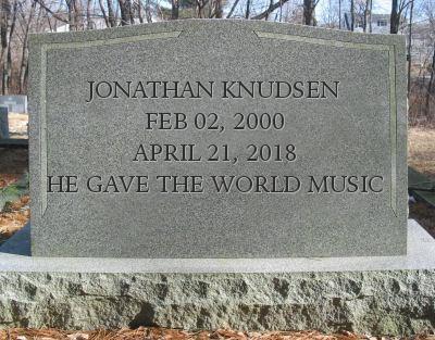 Jonathan Knudsen tombstone