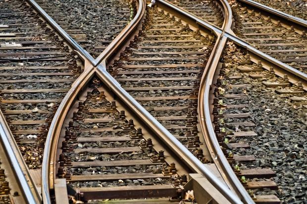 rails-3309912_1920